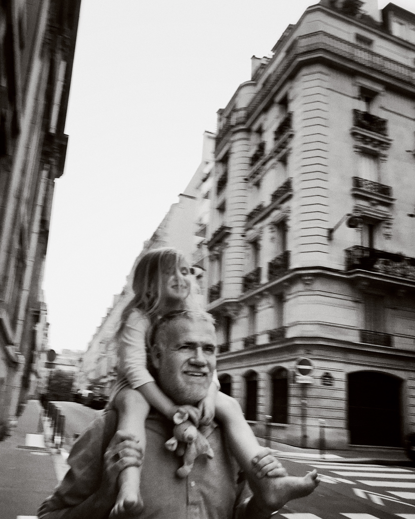 family travels in paris